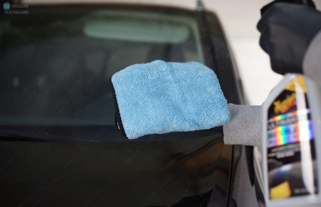 Wasserlose Wäsche - Microfasertuch benetzen